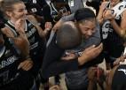 Pārkerei triumfāla atgriešanās mājās, Čikāgai pirmais WNBA tituls