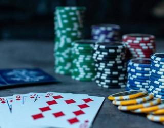 Kriptovalūtu tirgošana daudziem profesionāļiem aizvieto pokeru