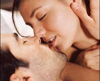 Kā pareizi skūpstīties. 3 seksuāli skūpsti