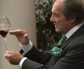 """Video: No kādām glāzēm dzert sarkanvīnu? """"Riedel"""" glāžu apmācības Rīgā"""