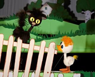 """Leļļu teātrī šonedēļ sezonas pēdējā pirmizrāde- """"Slavenais pīlēns Tims""""."""