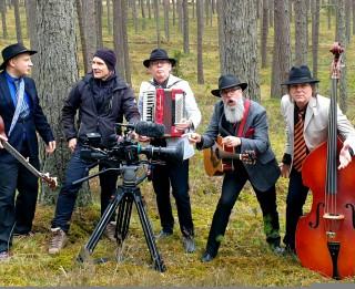 """Video: Ivars Zviedris un """"Ducele"""" radījuši muzikālu manifestu"""