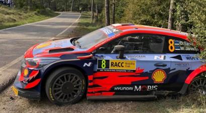 Tanaks avarē Spānijas WRC rallija pirmajā dienā, vadībā - Noivils