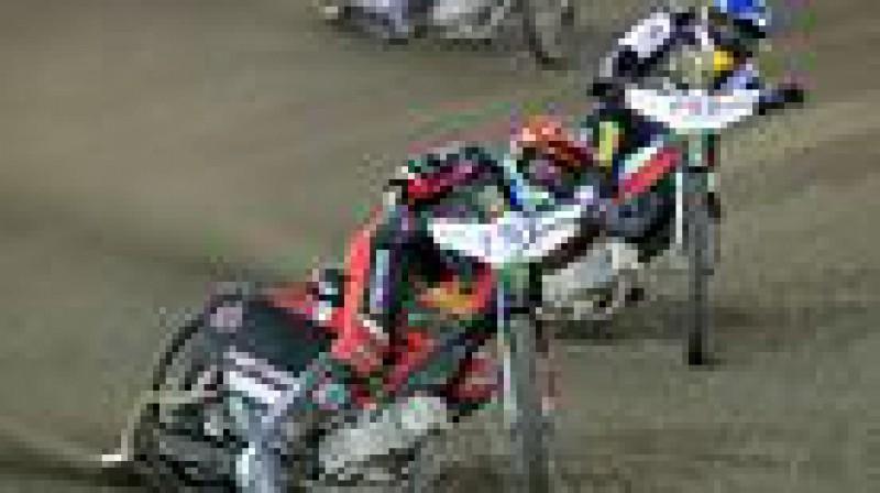Makss Friks (vadībā) pirmo reizi karjerā uzvarēja GP posmā.