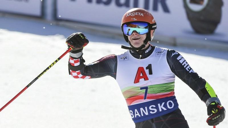 Filipam Zubčičam ir iespējas izcīnīt mazo kristāla globusu milzu slalomā. Foto: Marco Tacca