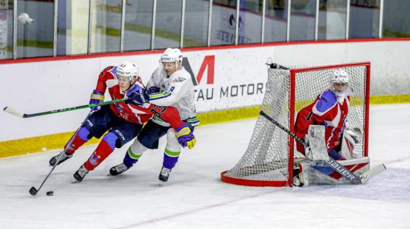 Roberts Kaļķis pret Gati Gricinski. Foto: Agris Bricis/OHL