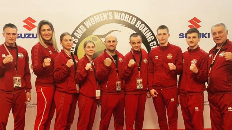 Beatrise Rozentāle (trešā no kreisās). Latvijas delegācija jauniešu pasaules čempionātā. Foto: Latvian Boxing Federation