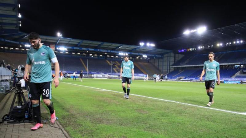 ''Schalke04'' futbolisti pēc zaudējuma ''Arminia''. Foto: Reuters/Scanpix