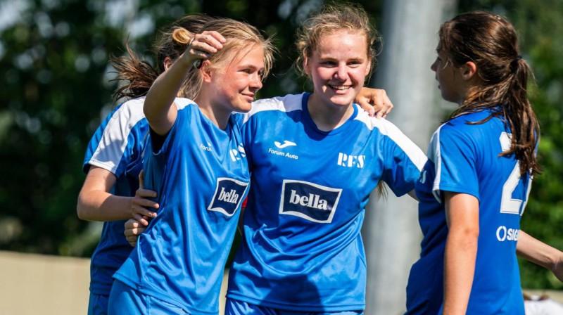RFS futbolistes svin vārtu guvumu. Foto: Rīgas Futbola skola