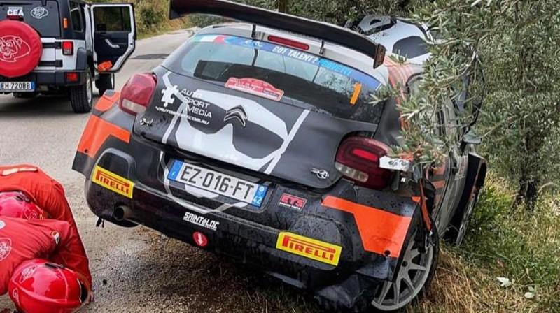 Alekseja Lukjaņuka mašīna pēc avārijas. Foto: Facebook.com/lukyanuk