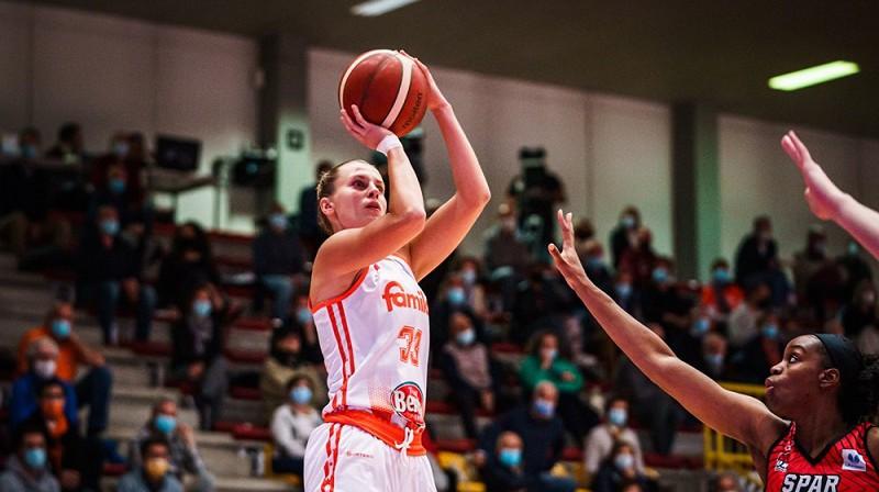 """Kitija Laksa: 19 punkti Eirolīgas spēlē pret """"Uni Girona"""". Foto: FIBA"""