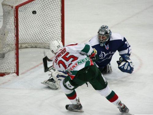 Nosaukti KHL mēneša labākie
