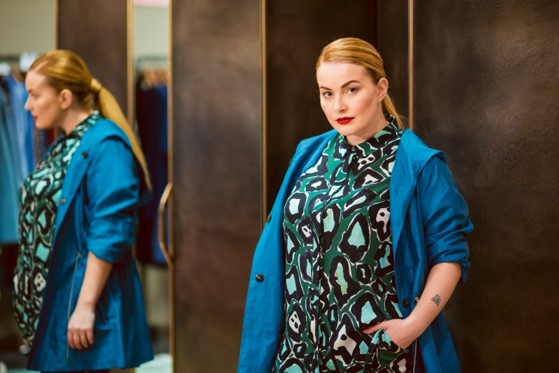Marina Rinaldi veikalā aizvadīta pavasarīga modes prezentācija