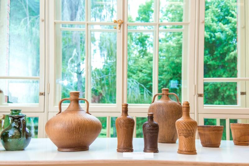 Čurļonis, romantiskā ģitāra un Latgales keramika aprīlī baudāmi Lūznavas muižā