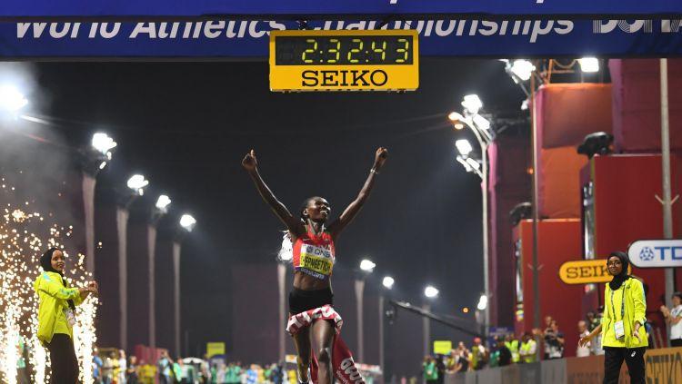 Arī naktī Kataras svelme nav izturama – maratonā izstājas 28 no 68 sportistēm