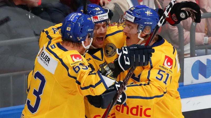 Zviedrija pārbaudes spēlē pārliecinoši pieveic Norvēģiju