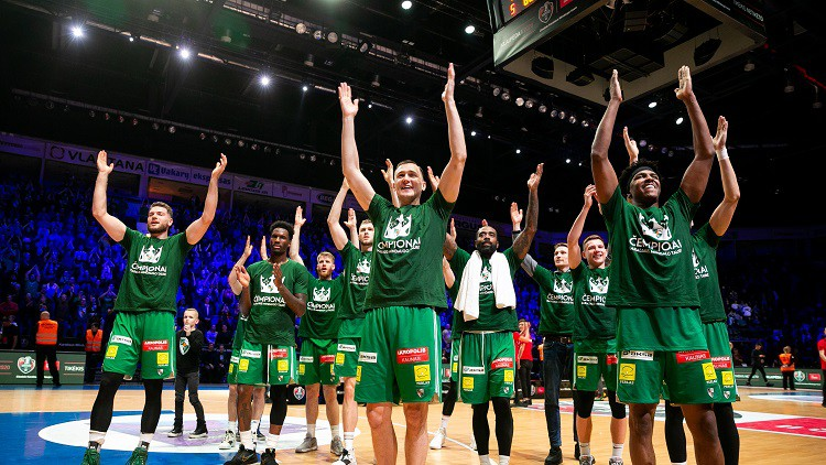 """Lietuvā plāno spēlēt bez skatītājiem, """"Žalgiris"""" vēlas pulcēt līdz 2000 fanu"""