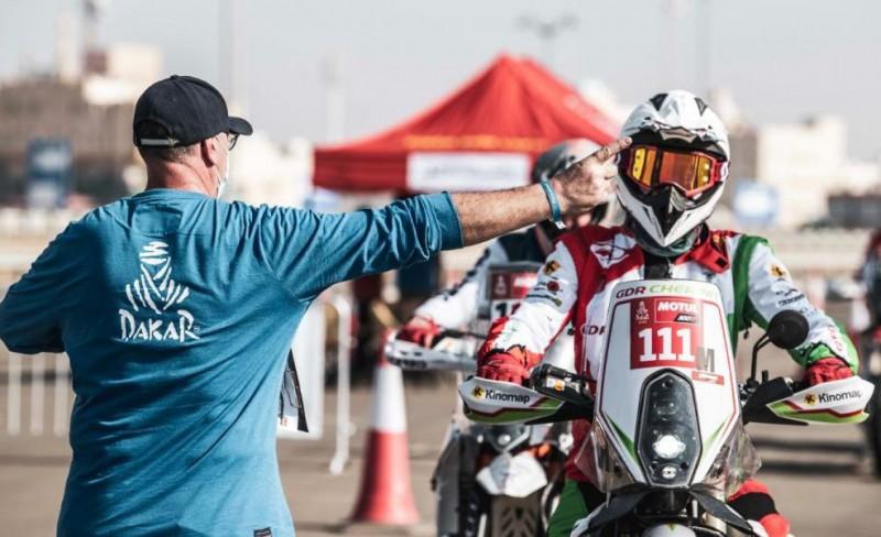 Vēl viens motobraucējs pēc kritiena Dakaras rallijā ievietots mākslīgajā komā