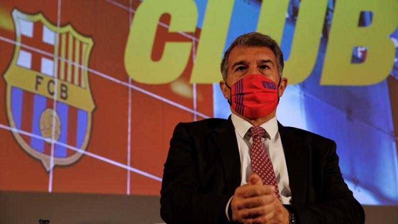Laporta atgriežas un tiek ievēlēts par ''Barcelona'' prezidentu