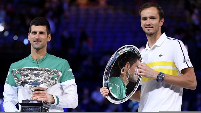 "Džokovičs izskolo Medvedevu un devīto reizi triumfē ""Australian Open"""