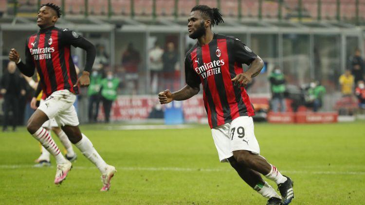 """""""Milan"""" drāmā izrauj punktu, taču dod iespēju """"Inter"""" attālināties"""