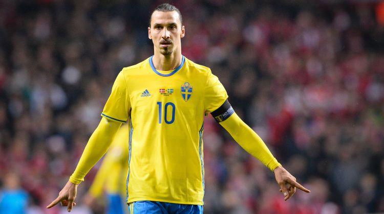 Zviedrijas futbola dievs Ibrahīmovičs pēc piecu gadu pauzes atgriežas izlasē