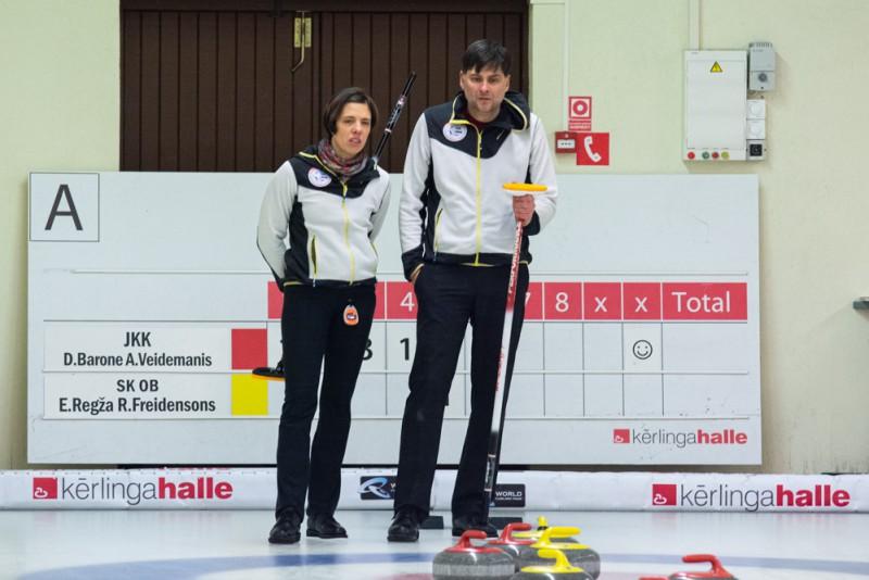 Jauktie pāri noskaidros Latvijas čempionus kērlingā, izšķirošās spēles Sportacentrs.com tiešraidē