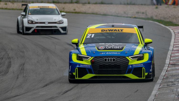 """Zviedris izcīna uzvaru TCR klasē """"DeWALT Grand Prix"""" sacensībās"""