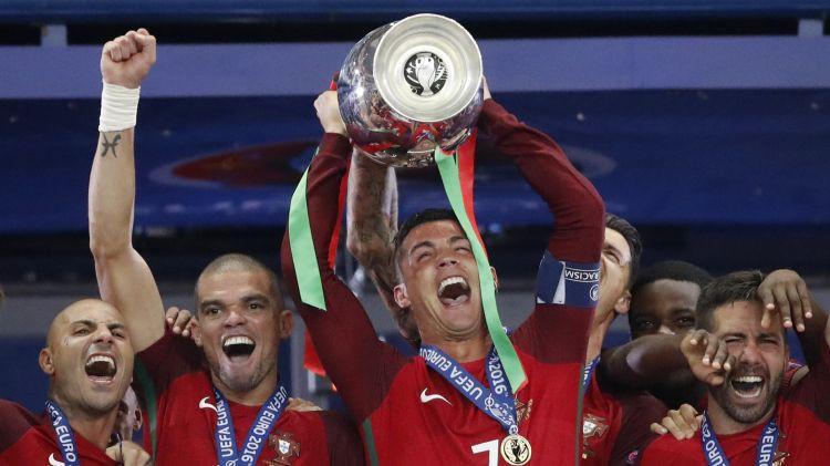 """Līdz """"Euro 2020"""" finālturnīram viena nedēļa. Televīzija iepazīstina ar spēļu komentētājiem"""