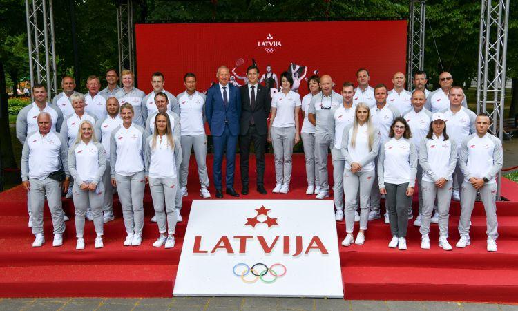 Latvijas delegācija Tokijā dzīvo vienā viesnīcā ar Covid-19 skarto Čehiju