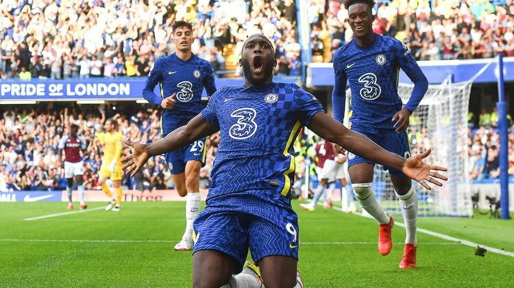 Lukaku pirmie vārti ''Stamford Bridge'', ''Chelsea'' sakauj ''Aston Villa''